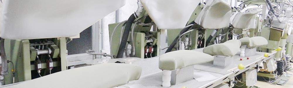 プラスキューブのスーツ専用仕上げ機